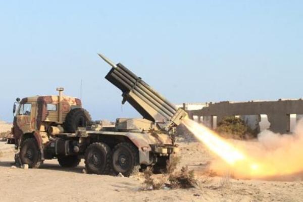 حمله موشکی نیروهای یمنی به پایگاه رژیم آل سعود در نجران