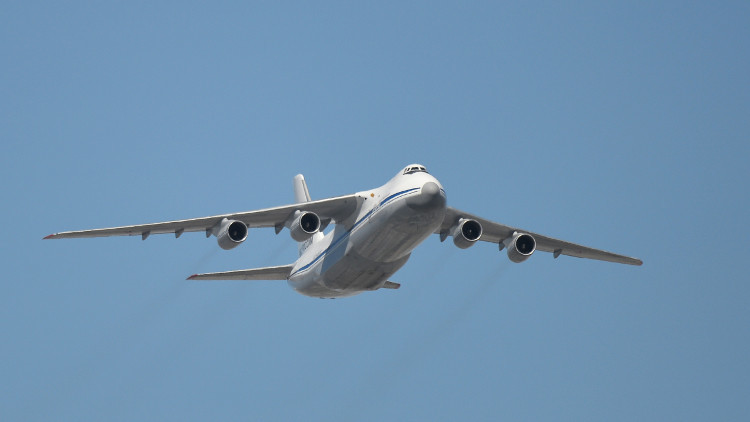 هواپیمای حامل روباتهای ویژه مینیابی روسیه عازم دمشق شد