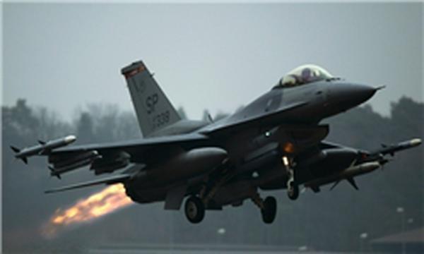 جنگنده های سوریه مقر فرماندهی داعش را در رقه بمباران کردند