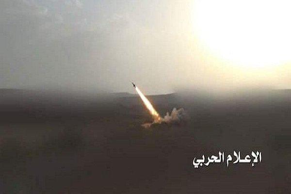 ارتش یمن پایگاه گارد ملی عربستان را با موشک زلزال ۳ هدف قرار داد