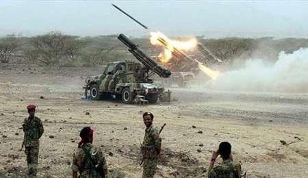 حملات موشکی و توپخانه ای ارتش یمن به مواضع نظامیان سعودی در مارب