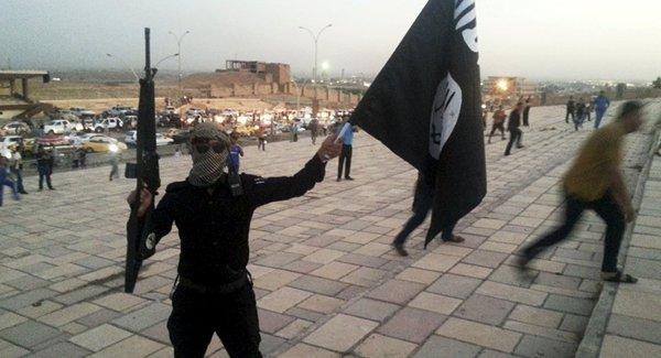 """داعش """"عملیات برلین"""" را برعهده گرفت؛ قاتل هنوز آزاد است"""