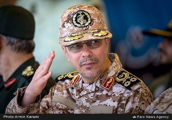 فناوری موشکهای با خطای زیر ۱۰ متر در اختیار کمتر کشوری است/بازدید از مواضع دفاعی خوزستان