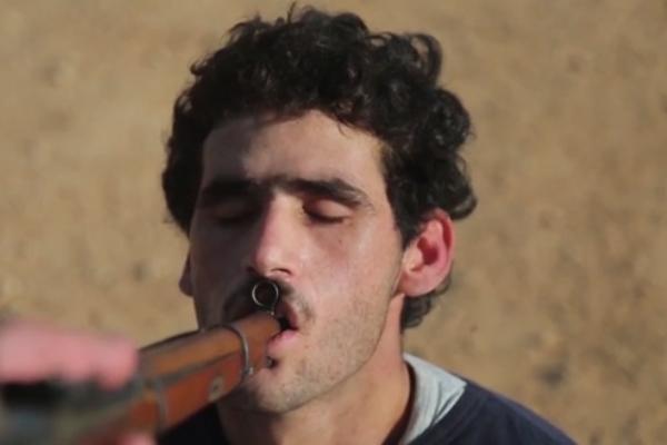 ریش سفیدان داعشی هم جلاد شدند! + فیلم (۱۶+)
