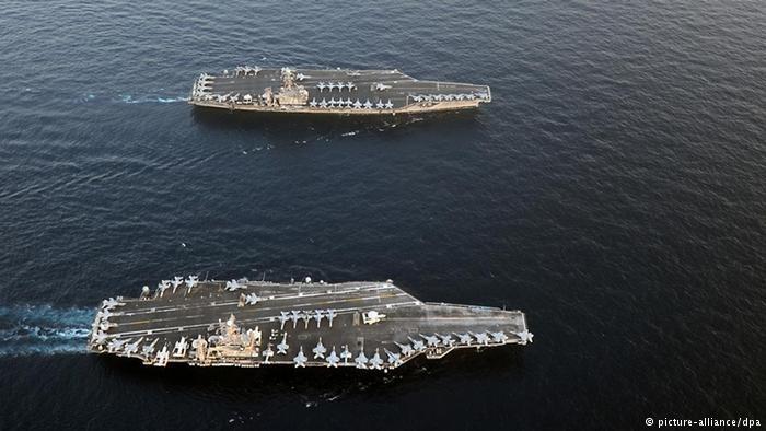 رویترز:ورود ناو هواپیمابر آمریکایی به خلیج فارس/حضور ۲۰ قایق تندرو ایرانی در تنگه هرمز