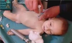 ادعای معارضان سوریه درباره حادثه شیمیایی خان شیخون ساختگی است /فیلم امداد «کلاهسفیدها» در حادثه شیمیایی سوریه ساختگی است