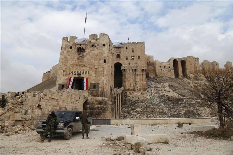 حکایت ۱۶۰۰ روز مقاومت چند ارتشی در قلعه حلب/هتلی که نماد مقاومت شد +عکس