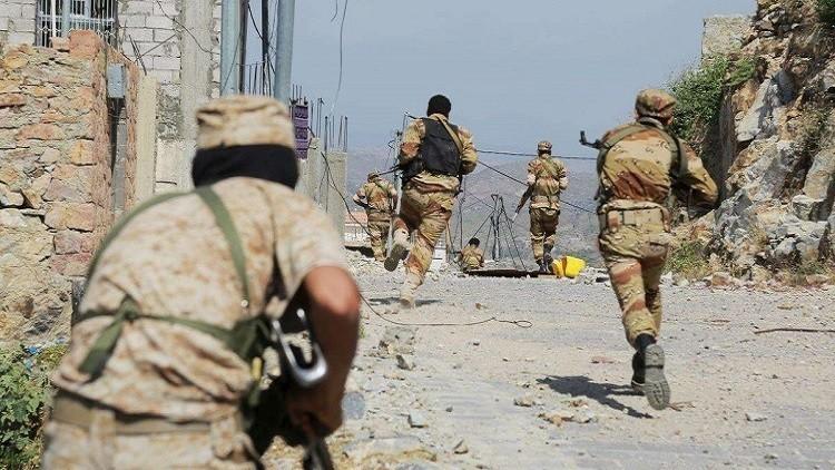 """پرتاب موشک """"صمود"""" به پایگاه سعودیها در جیزان/ تشدید درگیریهای خیابانی در شهر تعز"""