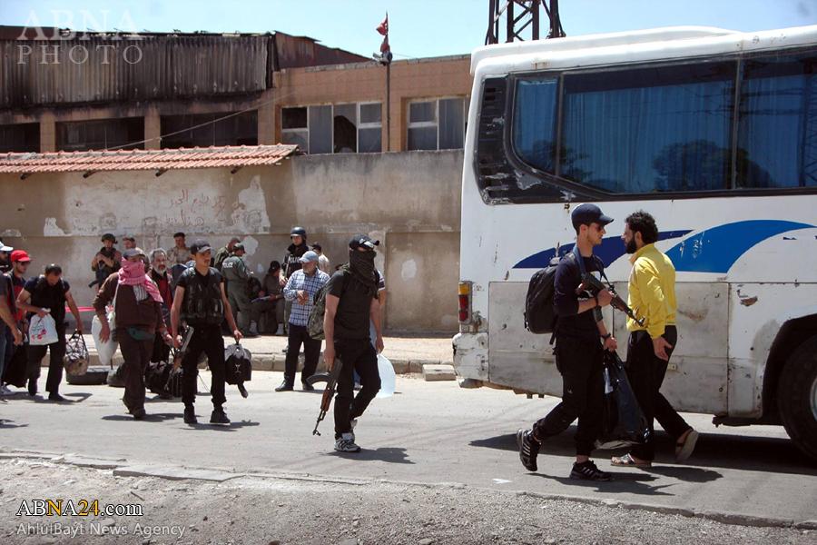 عکس خبری/ خروج عناصر گروههای تروریستی از شهر حمص سوریه