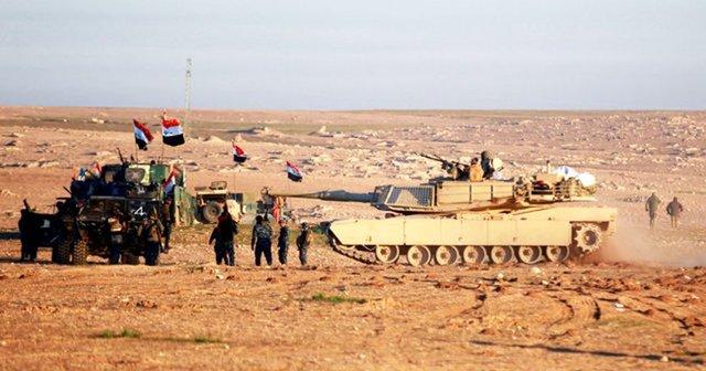 تغییر تاکتیک نیروهای عراقی در موصل/ حشد شعبی جنگ با داعش را به مرز سوریه میکشاند