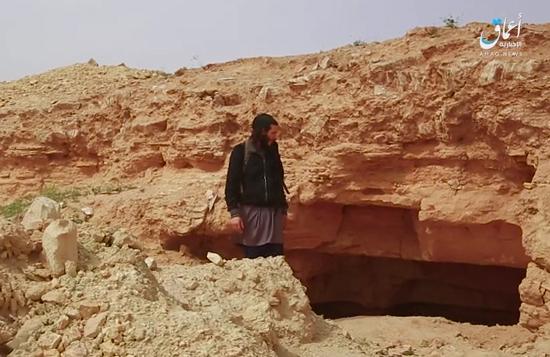 داعش آثار تاریخی ۸ هزار ساله حومه دیرالزور را تخریب کرد + تصاویر