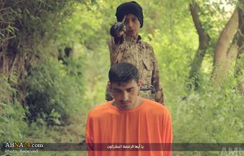 """چهار کودک جلاد داعش سر چهار نفر را بریدند/ یکی از کودکان به زبان """"فارسی"""" صحبت کرد + تصاویر(۱۸+)"""