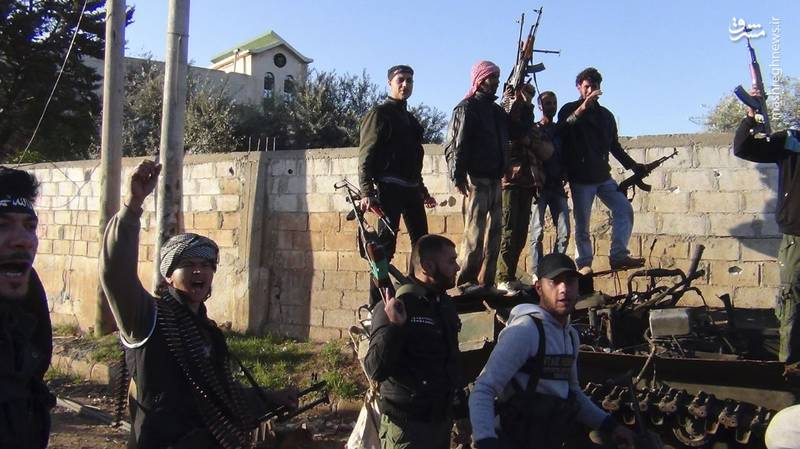 عکس/ آرامش نیروهای ارتش سوریه قبل از طوفان