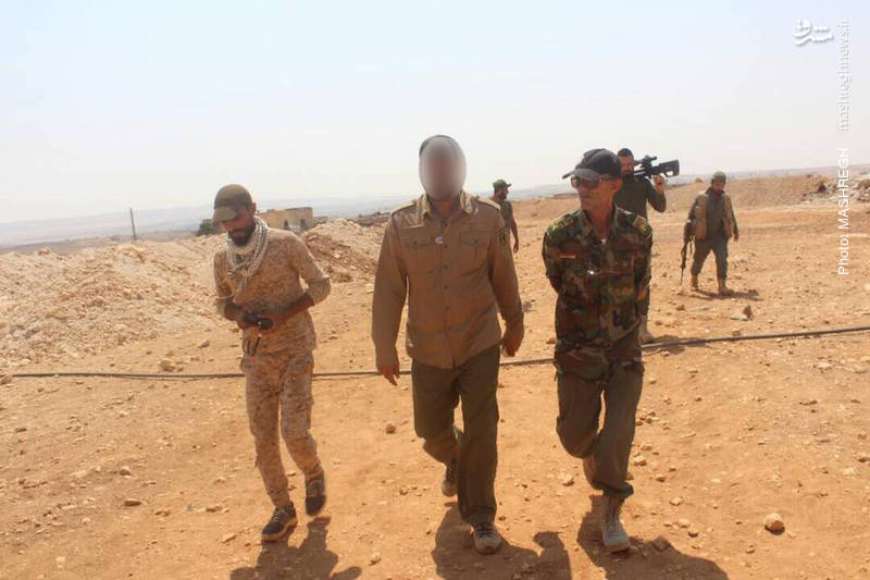 عکس/ بازدید میدانی فرماندهان مقاومت از جبهههای عملیاتی جنوب حلب