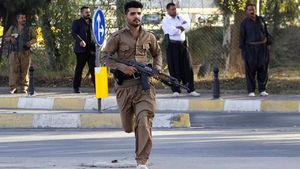 هجوم هواداران بارزانی به پارلمان اقلیم کردستان + عکس