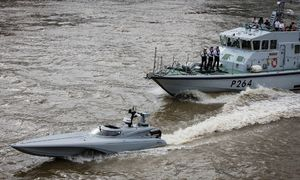 کپی رسمی انگلیس از تاکتیکهای نیروی دریایی سپاه/ استفاده نظامی از قایقهای تندرو به قلب اروپا رسید +عکس