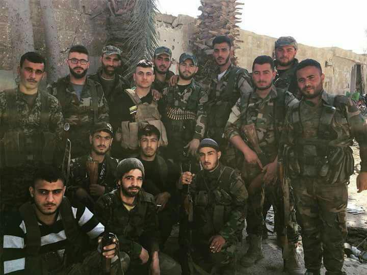 نیروهای ارتش سوریه در شهرک بیت سوا در غوطه شرقی + عکس