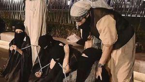 روایتی از روزهای سخت زنان و دختران ایزدی در زندانهای داعش/ برای نجات از نگاههای ناپاک، دست و پاهایمان را میشکستیم!