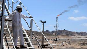 سعودیها و اماراتیها هزینه جنگ یمن را چگونه تامین میکنند/ درآمد میلیاردی نفت و گاز یمن به حساب چه کسانی واریز میشود؟