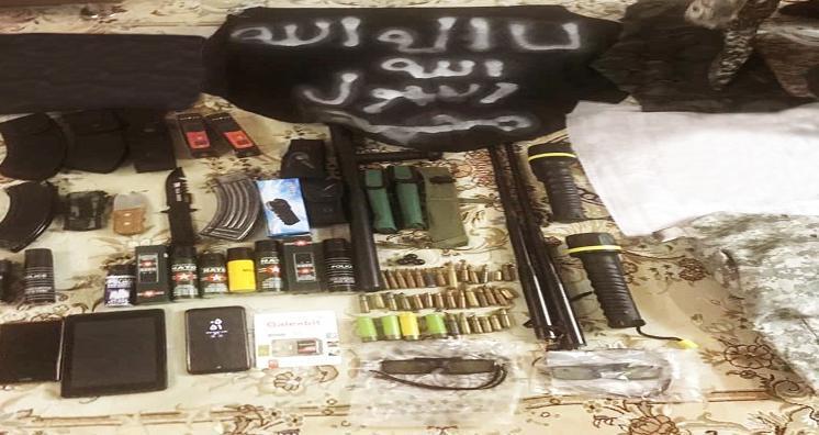 کشف مقادیر زیادی نارنجک و بمب با شناسایی یک شبکه تروریستی توسط سربازان گمنام امام زمان