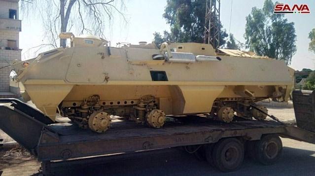 تحولات سوریه|تحویل تانک و زرهپوش از سوی افراد مسلح به ارتش در درعاالبلد+ تصاویر
