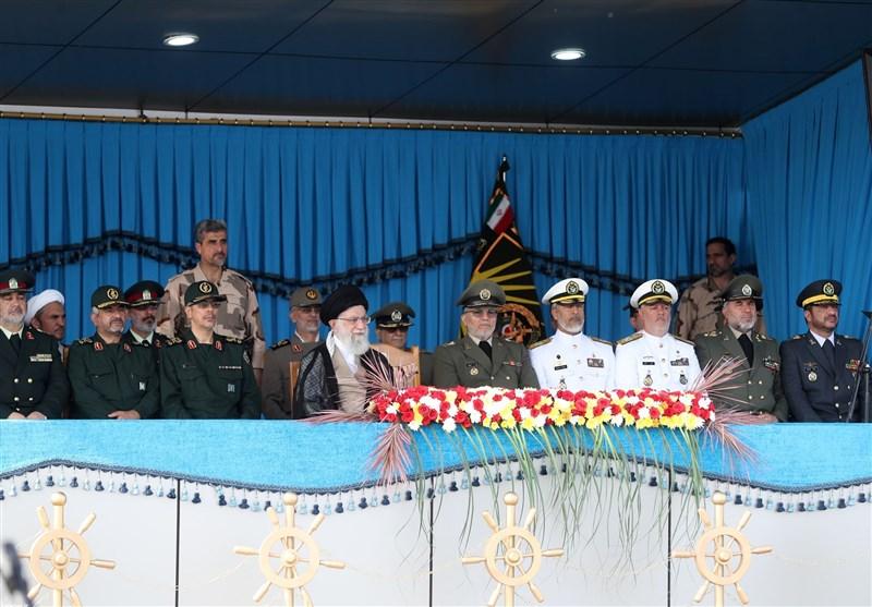 امام خامنهای در دانشگاه علوم دریایی: ملت ایران از اخم آمریکا نهراسید و آن را به عقبنشینی و شکست کشاند