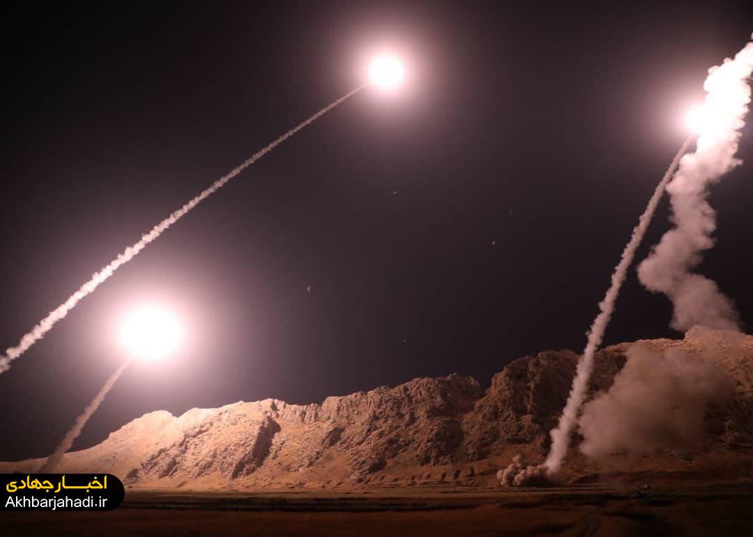 لحظات شلیک موشکهای بالستیک سپاه در کرمانشاه به مواضع تروریستهای حادثه اهواز + عکس و فیلم