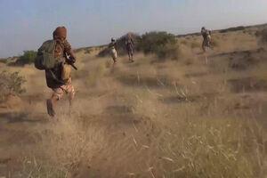 محاصره بازماندههای داعش در شرق رود فرات/ بیش از ۱۰۰ حمله هوایی به مناطق مسکونی و اردوگاه آوارگان به بهانه مبارزه با تروریستها/ مذاکرات پنهانی برای انتقال صدها داعشی به منطقه التنف و صحرای الانبار عراق + نقشه میدانی و عکس