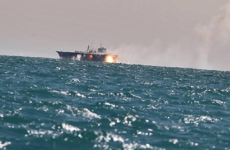 تسلیح قایقهای تندرو سپاه به «گاتلینگ» و راکتانداز جدید/ شلیک ۱۵۰۰ گلوله در دقیقه برای انهدام اهداف دریایی و هوایی +عکس