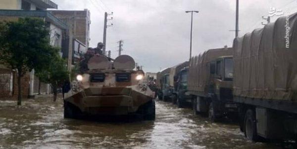 خدمت نیروهای مسلح به مردم در شهرهای سیلزده +عکس