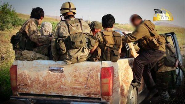 حضور حزب اسلامی ترکستان در شمال حماه + عکس
