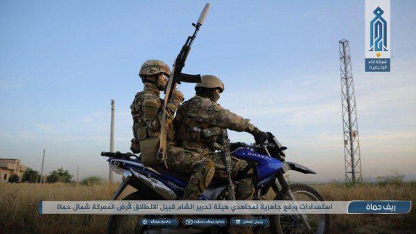 اسارت یک نظامی سوری/ناکامی عوامل انتحاری/ رجز خوانی تروریست ها قبل از آغاز حمله به کفرنبوده + فیلم و عکس