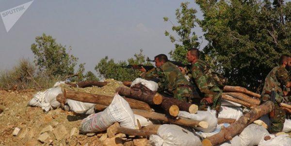 حماه سوریه؛ ارسال تجهیزات ارتش؛ داعش و النصره علیه ارتش متحد شدند