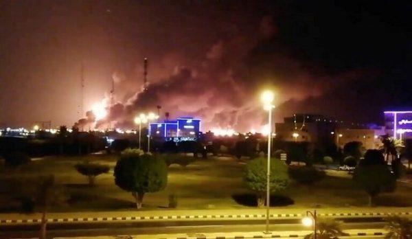 خاندان آل سعود در شوک؛ جزئیات حمله پهپادی به بزرگترین و قدیمیترین تاسیسات نفتی عربستان/ آتشسوزیهای گسترده در پالایشگاههای «بقیق و خریص» + نقشه میدانی و عکس