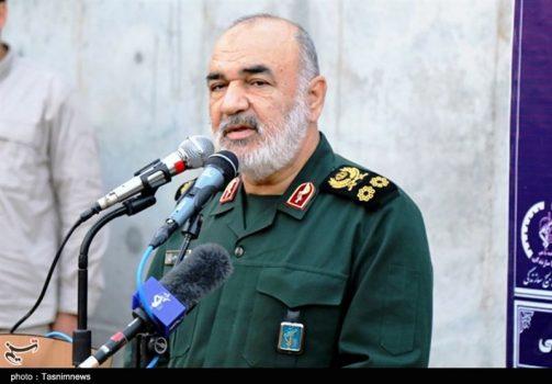 فرمانده کل سپاه: همه راهها بر روی دشمن بسته است/ملت ایران عملیات روانی دشمن را مچاله کرده است