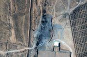 آثار حملات جنگندههای آمریکایی به پایگاه امام علی در سوریه