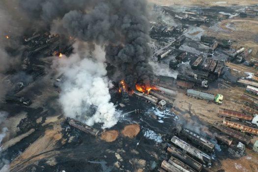 تصاویر ماهوارهای از پیامد حمله موشکی روسیه به تاسیسات نفتی غیرمجاز در حلب