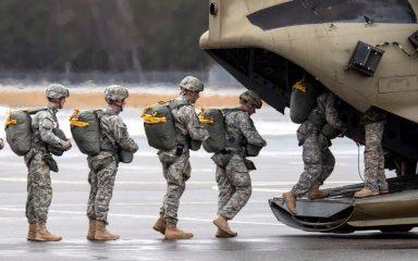 فرماندهی مرکزی ارتش امریکا به اردن منتقل میشود/ تلاش یانکیها برای استقرار در بیشترین فاصله ممکن از موشکهای ایرانی +تصاویر